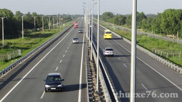 Đường cao tốc Đà Nẵng đi Quảng Ngãi